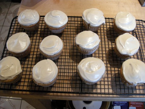 Frosted gluten free cupcakes